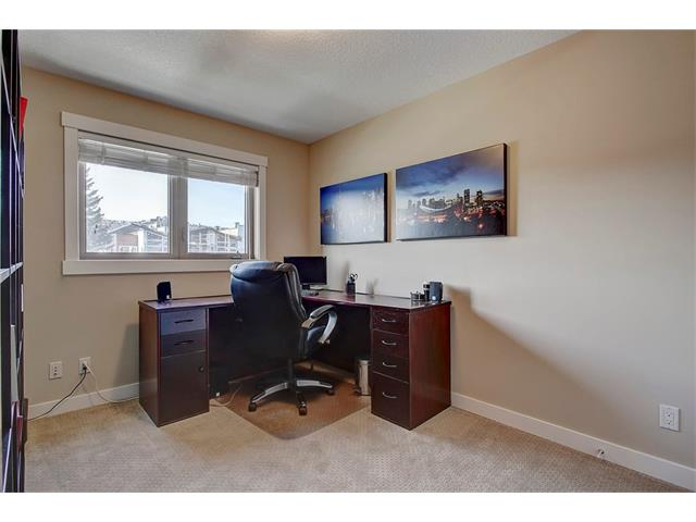Photo 23: 4412 19 AV NW in Calgary: Montgomery House for sale : MLS(r) # C4076947