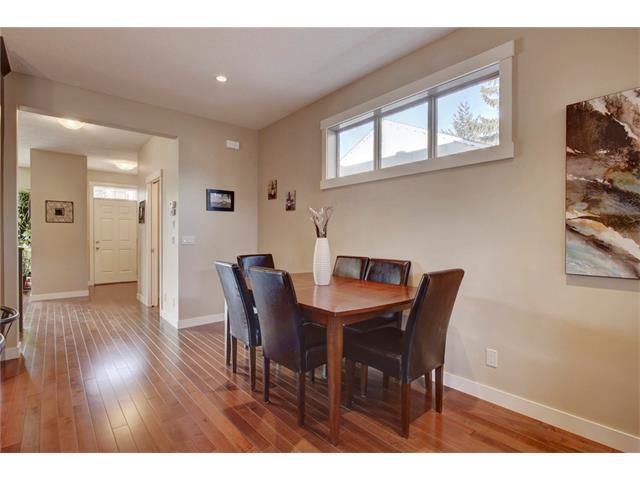 Photo 8: 4412 19 AV NW in Calgary: Montgomery House for sale : MLS(r) # C4076947