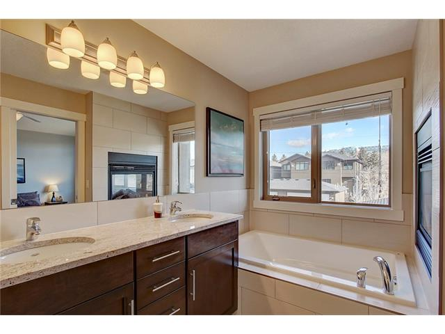 Photo 21: 4412 19 AV NW in Calgary: Montgomery House for sale : MLS(r) # C4076947