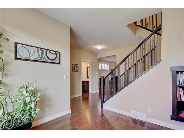 Photo 12: 4412 19 AV NW in Calgary: Montgomery House for sale : MLS(r) # C4076947