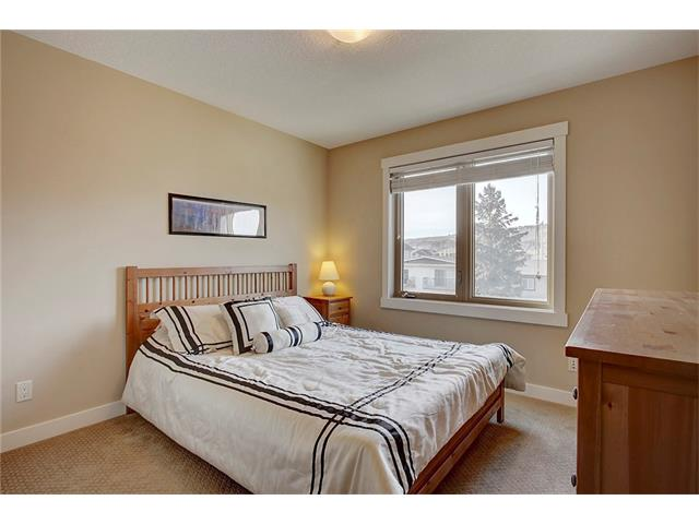 Photo 22: 4412 19 AV NW in Calgary: Montgomery House for sale : MLS(r) # C4076947