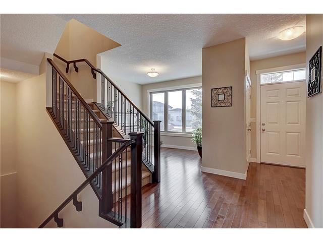 Photo 11: 4412 19 AV NW in Calgary: Montgomery House for sale : MLS(r) # C4076947