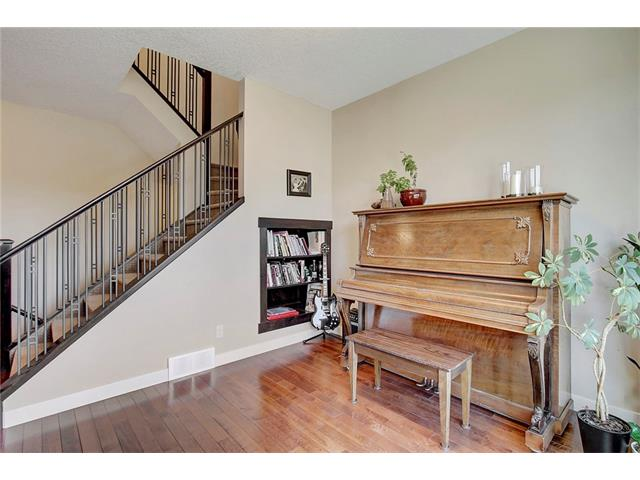 Photo 13: 4412 19 AV NW in Calgary: Montgomery House for sale : MLS(r) # C4076947