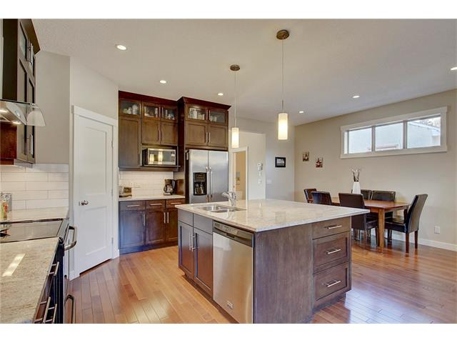 Photo 4: 4412 19 AV NW in Calgary: Montgomery House for sale : MLS(r) # C4076947