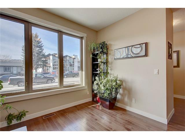 Photo 14: 4412 19 AV NW in Calgary: Montgomery House for sale : MLS(r) # C4076947