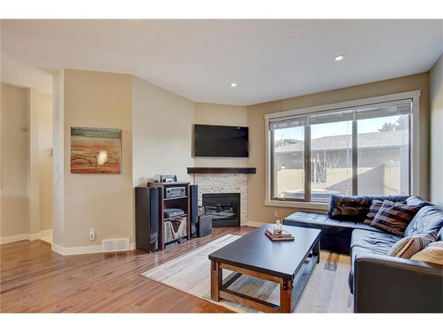Photo 9: 4412 19 AV NW in Calgary: Montgomery House for sale : MLS(r) # C4076947