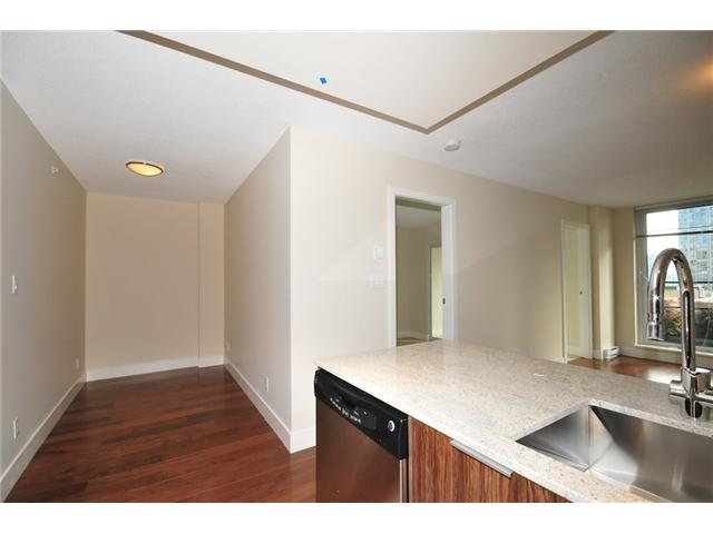 "Photo 5: 514 1088 RICHARDS Street in Vancouver: Yaletown Condo for sale in ""RICHARDS LIVING"" (Vancouver West)  : MLS® # V934725"