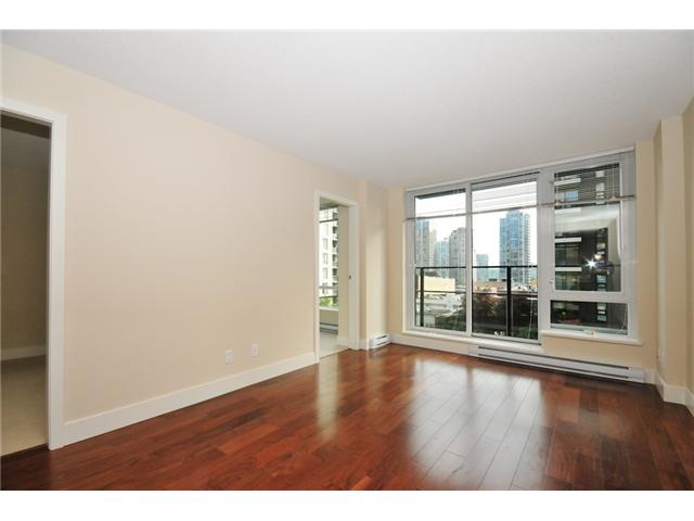 "Main Photo: 514 1088 RICHARDS Street in Vancouver: Yaletown Condo for sale in ""RICHARDS LIVING"" (Vancouver West)  : MLS® # V934725"