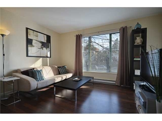 "Main Photo: 204 929 W 16TH Avenue in Vancouver: Fairview VW Condo for sale in ""OAKVIEW GARDENS"" (Vancouver West)  : MLS(r) # V938331"