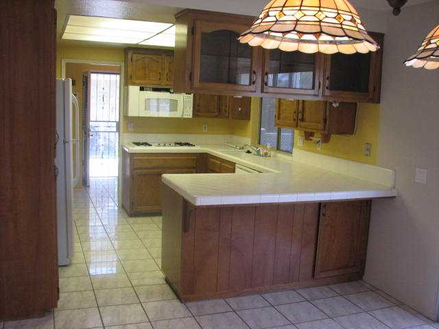 Photo 3: IMPERIAL BEACH Home for sale or rent : 3 bedrooms : 932 Ebony