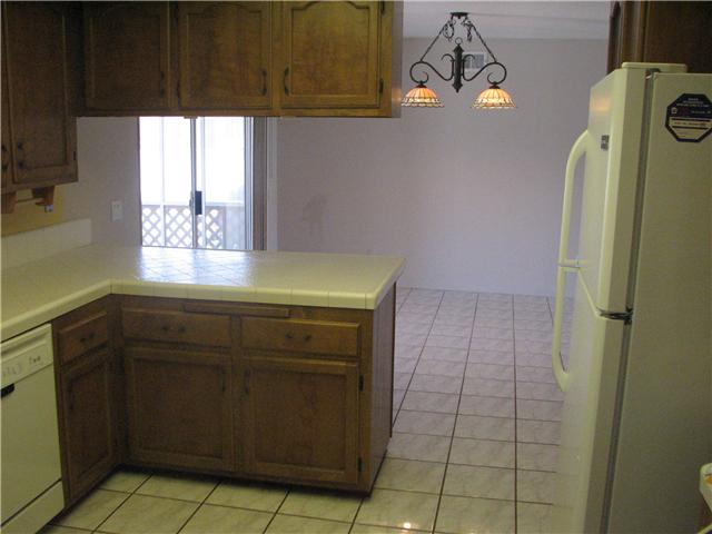 Photo 4: IMPERIAL BEACH Home for sale or rent : 3 bedrooms : 932 Ebony
