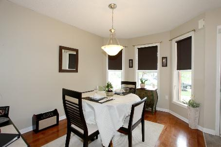 Photo 2: 1291 Clark Boulevard in Milton: Beaty House (2-Storey) for sale : MLS(r) # W2711008