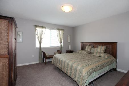 Photo 6: 1291 Clark Boulevard in Milton: Beaty House (2-Storey) for sale : MLS(r) # W2711008