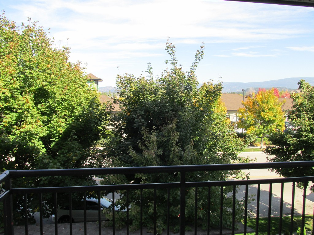 Main Photo: 316-547 Yates in Kelowna: North Glenmore Condo for sale : MLS® # 10089798