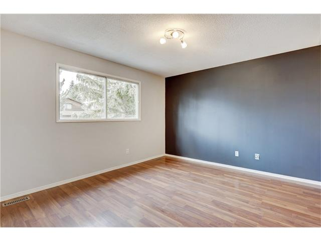 Photo 18: 6120 84 ST NW in Calgary: Silver Springs House for sale : MLS(r) # C4037833