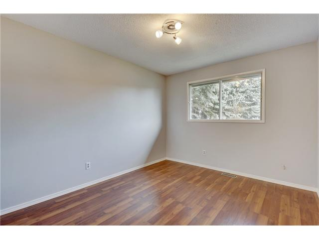 Photo 23: 6120 84 ST NW in Calgary: Silver Springs House for sale : MLS(r) # C4037833