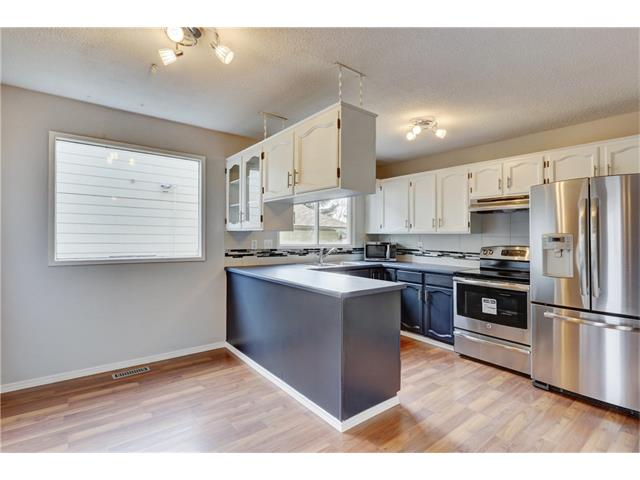 Photo 10: 6120 84 ST NW in Calgary: Silver Springs House for sale : MLS® # C4037833