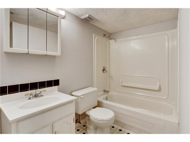 Photo 30: 6120 84 ST NW in Calgary: Silver Springs House for sale : MLS(r) # C4037833
