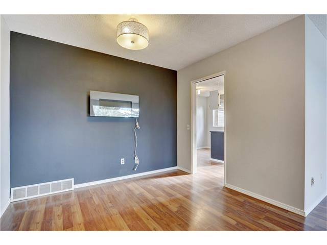 Photo 9: 6120 84 ST NW in Calgary: Silver Springs House for sale : MLS(r) # C4037833
