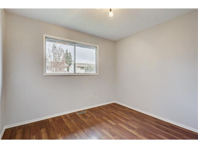Photo 22: 6120 84 ST NW in Calgary: Silver Springs House for sale : MLS(r) # C4037833