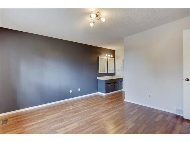 Photo 19: 6120 84 ST NW in Calgary: Silver Springs House for sale : MLS(r) # C4037833