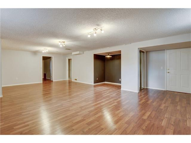 Photo 32: 6120 84 ST NW in Calgary: Silver Springs House for sale : MLS® # C4037833