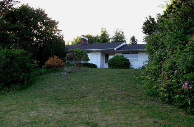 Main Photo: 1495 MATHERS Avenue in West Vancouver: Ambleside House for sale