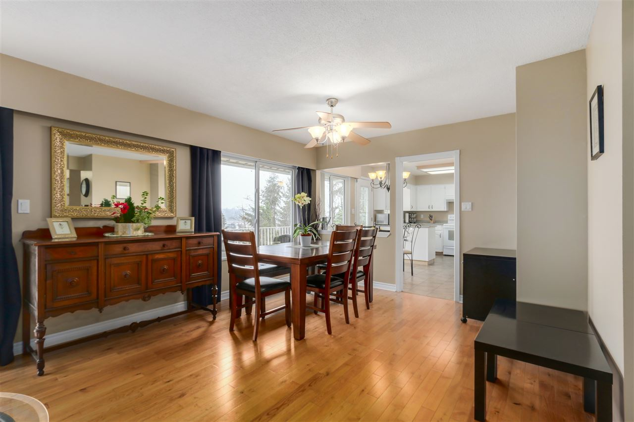 Photo 6: 2310 DAWES HILL ROAD in Coquitlam: Cape Horn House for sale : MLS(r) # R2043585