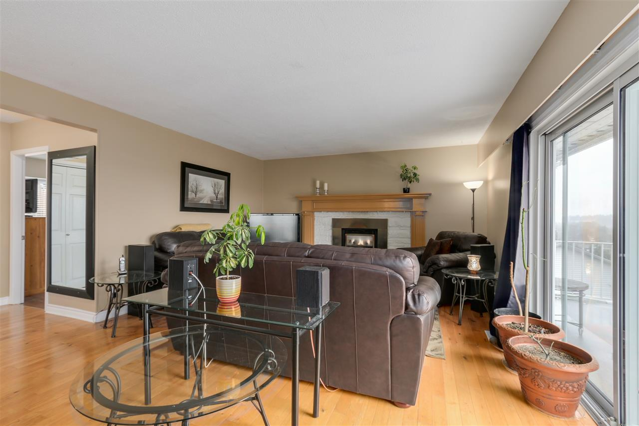 Photo 7: 2310 DAWES HILL ROAD in Coquitlam: Cape Horn House for sale : MLS(r) # R2043585