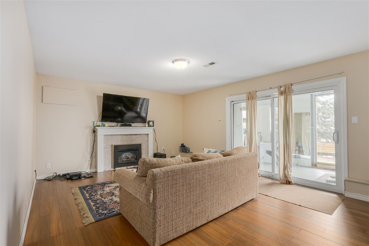 Photo 13: 2310 DAWES HILL ROAD in Coquitlam: Cape Horn House for sale : MLS(r) # R2043585