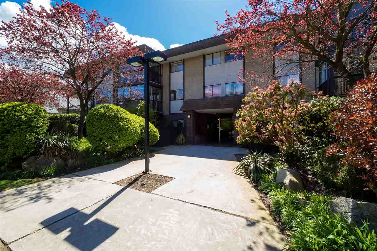 Photo 13: 202 127 E 4TH STREET in North Vancouver: Lower Lonsdale Condo for sale : MLS® # R2161252