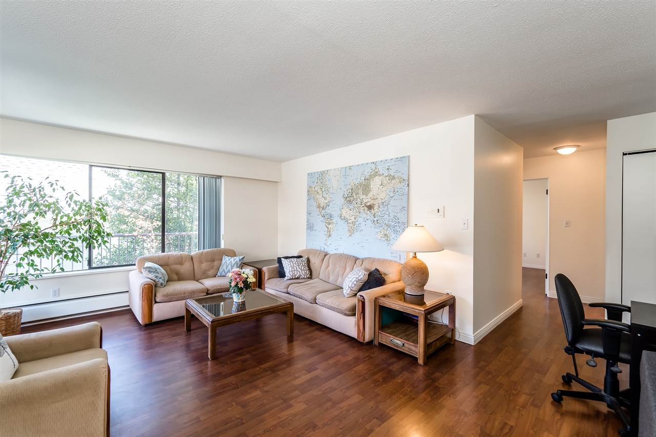 Main Photo: 202 127 E 4TH STREET in North Vancouver: Lower Lonsdale Condo for sale : MLS® # R2161252