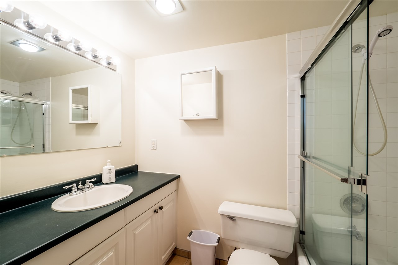 Photo 9: 202 127 E 4TH STREET in North Vancouver: Lower Lonsdale Condo for sale : MLS® # R2161252
