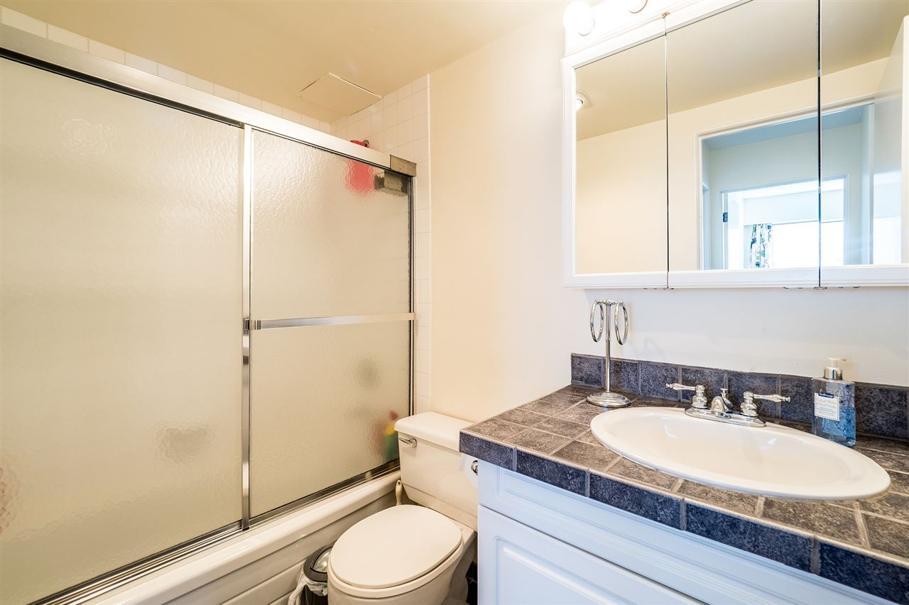 Photo 10: 202 127 E 4TH STREET in North Vancouver: Lower Lonsdale Condo for sale : MLS® # R2161252