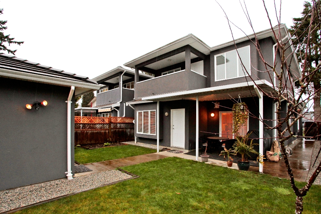 Photo 10: 6882 NAPIER Street in Burnaby: Sperling-Duthie House 1/2 Duplex for sale (Burnaby North)  : MLS(r) # V942052
