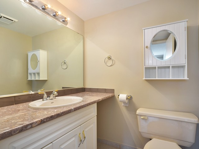 Photo 10: Photos: 101 140 E KEITH Road in North Vancouver: Central Lonsdale Condo for sale : MLS®# V967748