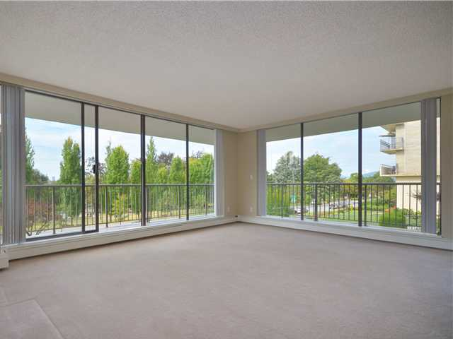 Photo 4: Photos: 101 140 E KEITH Road in North Vancouver: Central Lonsdale Condo for sale : MLS®# V967748