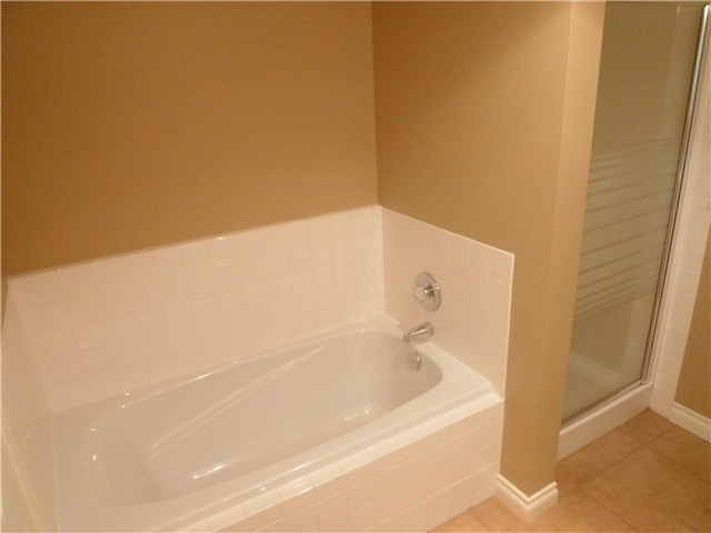 Photo 7: # 303 70 RICHMOND ST in : Fraserview NW Condo for sale : MLS® # V947969