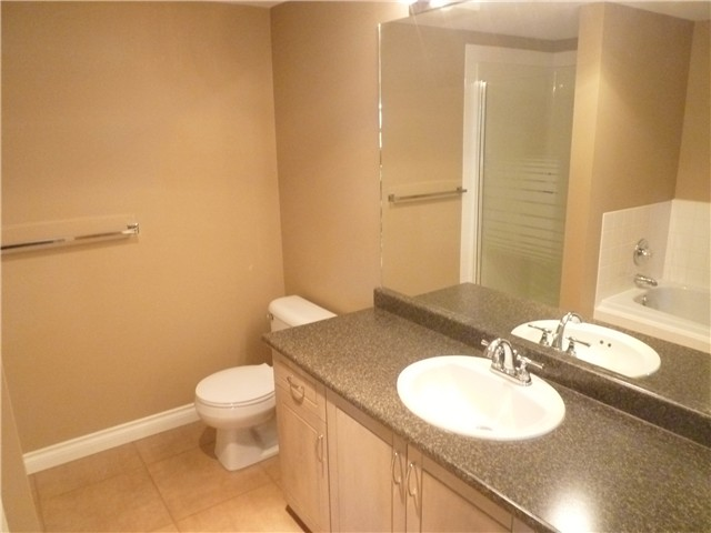 Photo 6: # 303 70 RICHMOND ST in : Fraserview NW Condo for sale : MLS® # V947969