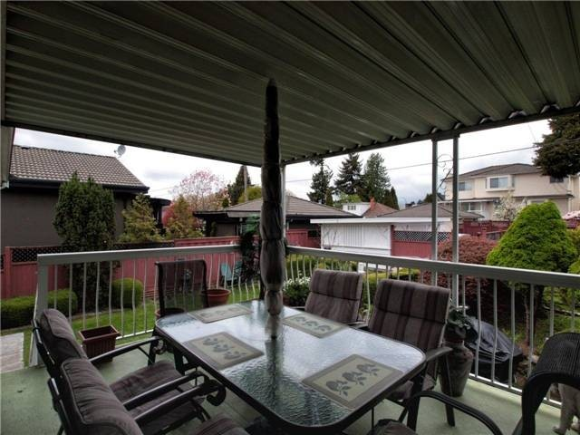 Photo 10: 4525 PARKER Street in Burnaby: Brentwood Park House for sale (Burnaby North)  : MLS(r) # V988069