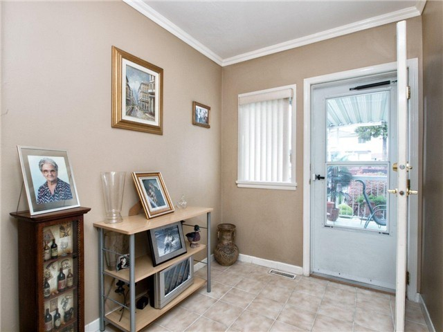 Photo 7: 4525 PARKER Street in Burnaby: Brentwood Park House for sale (Burnaby North)  : MLS(r) # V988069