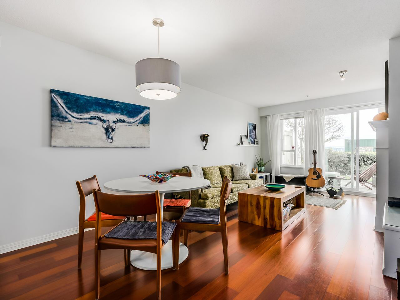 Photo 6: 109 333 E 1ST STREET in North Vancouver: Lower Lonsdale Condo for sale : MLS® # R2032321