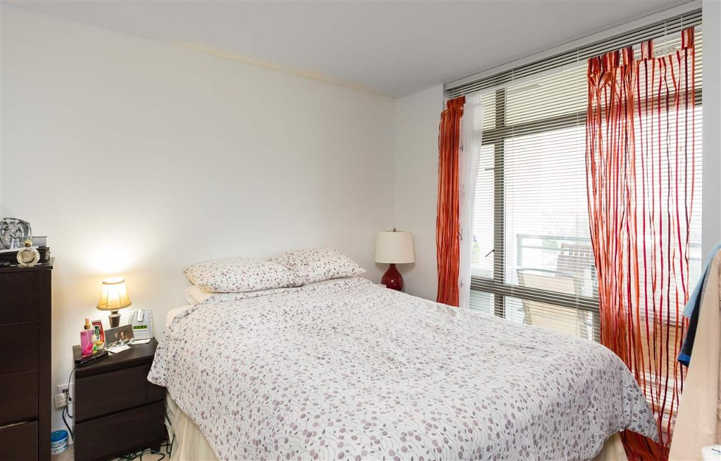 Photo 5: 1210 3660 Vanness Avenue in Vancouver: Collingwood VE Condo for sale (Vancouver East)  : MLS® # R2125808