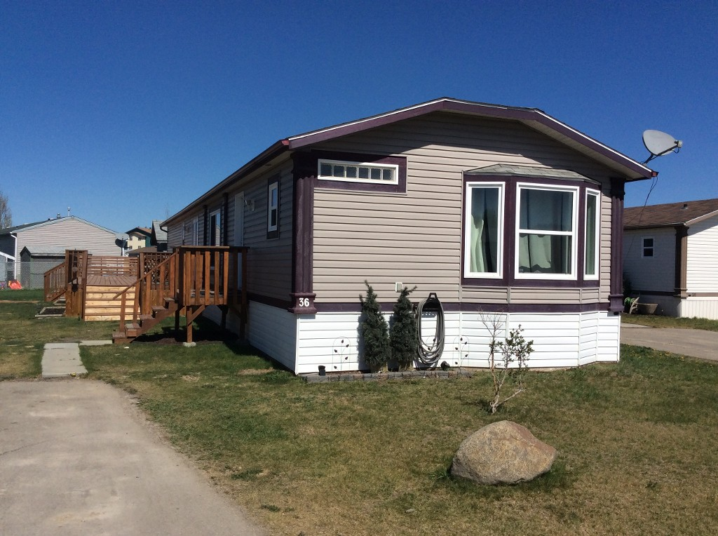 Main Photo: 36 Keystone Place in Whitecourt: Mobile for sale : MLS(r) # 42913