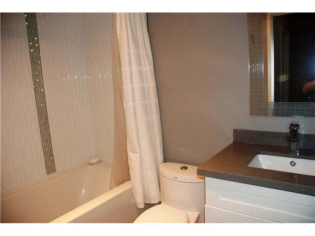 Photo 11: 4792 Fernglen Drive in Burnaby South: Greentree Village Townhouse for sale : MLS® # V1064778