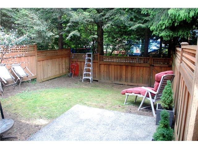 Photo 1: 4792 Fernglen Drive in Burnaby South: Greentree Village Townhouse for sale : MLS® # V1064778