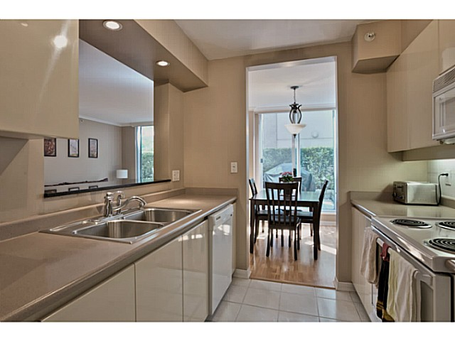 Photo 9: # 211 500 W 10TH AV in Vancouver: Fairview VW Condo for sale (Vancouver West)  : MLS® # V1082824