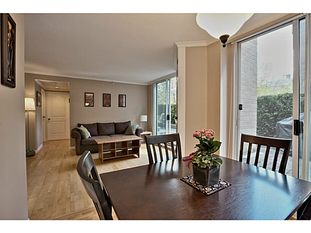 Photo 6: # 211 500 W 10TH AV in Vancouver: Fairview VW Condo for sale (Vancouver West)  : MLS® # V1082824
