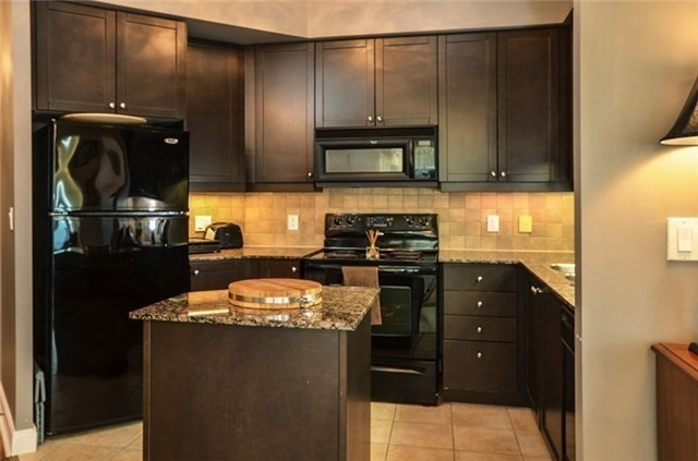 Photo 11: 90 Absolute Ave Unit #606 in Mississauga: City Centre Condo for sale : MLS(r) # W3402364