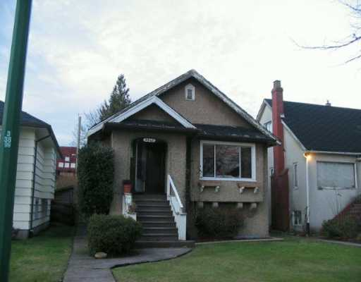 Main Photo: 3847 DUNDAS Street in Burnaby: Vancouver Heights House for sale (Burnaby North)  : MLS® # V628591
